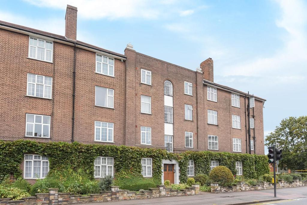 2 Bedrooms Flat for sale in London Road, Kingston upon Thames, KT2