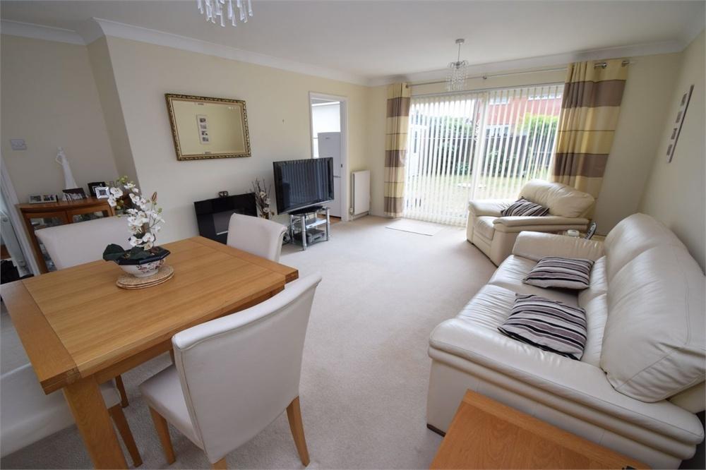 2 Bedrooms Detached Bungalow for sale in Mountbatten Drive, Langney Point, East Sussex