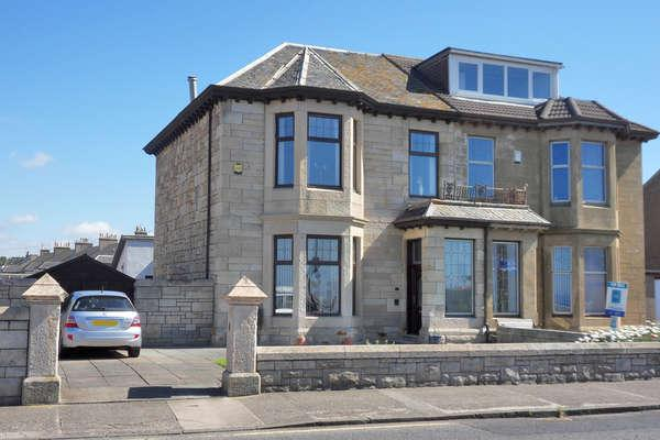 4 Bedrooms Semi-detached Villa House for sale in 4 Winton Circus, Saltcoats, KA21 5DA