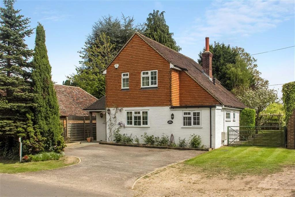 4 Bedrooms Detached House for sale in The Street, Stedham, Midhurst, West Sussex, GU29