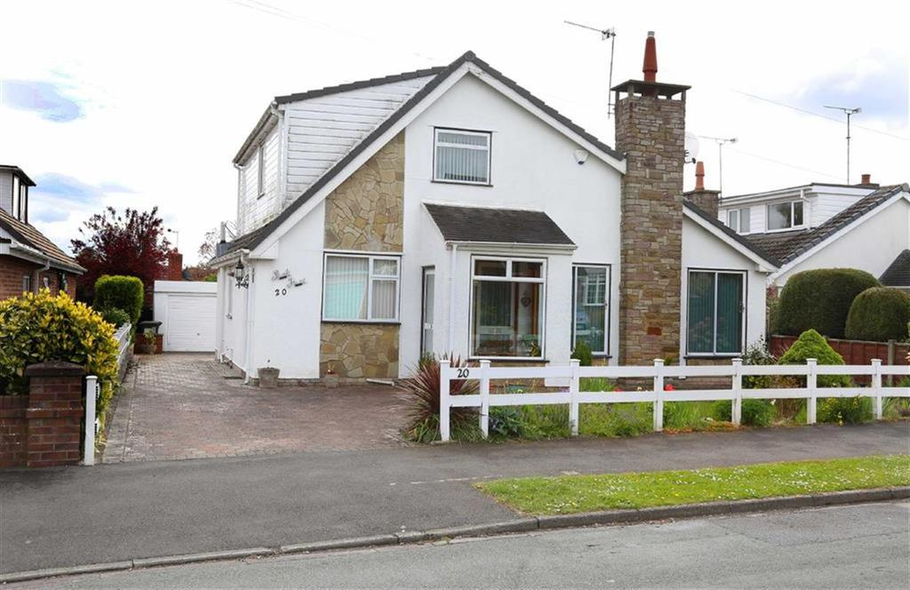 3 Bedrooms Detached Bungalow for sale in Princess Drive, Crewe