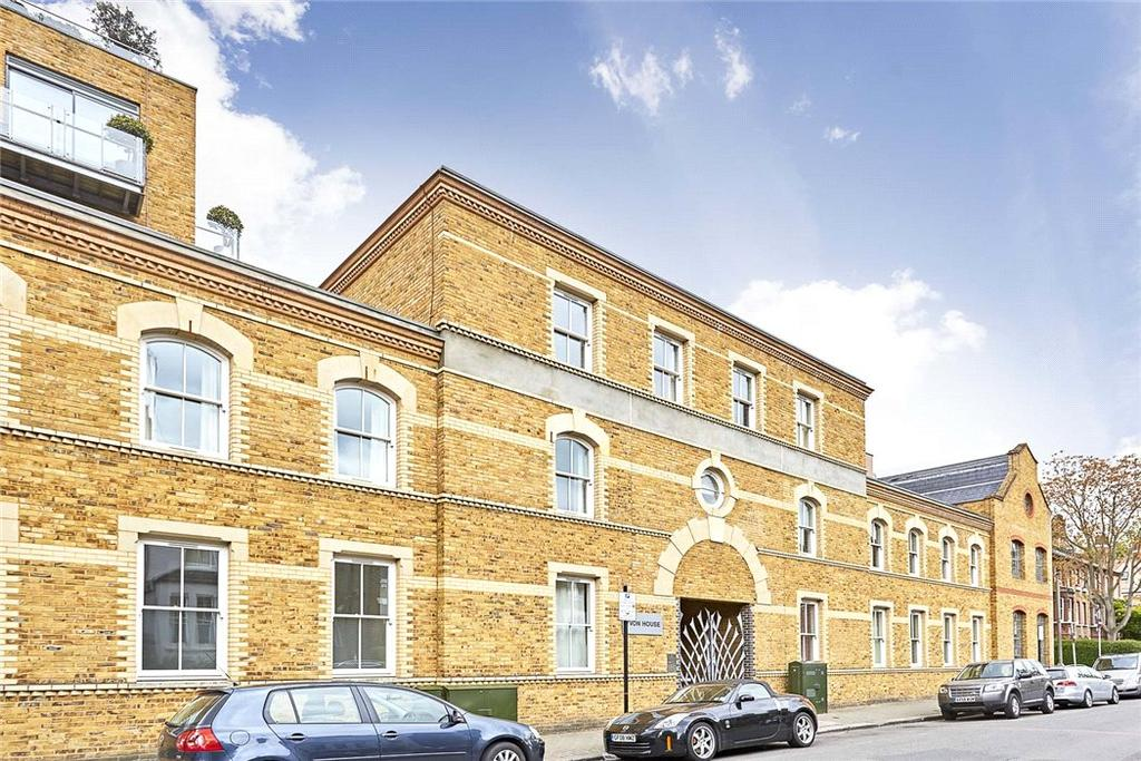 3 Bedrooms Flat for sale in Yvon House, Alexandra Avenue, London, SW11