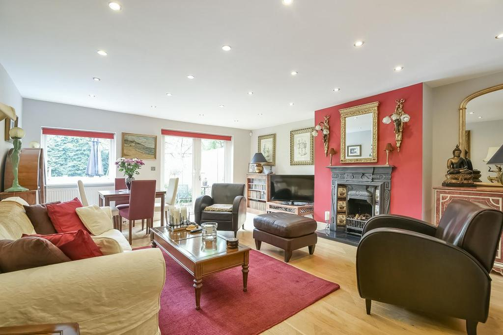 2 Bedrooms Flat for sale in Victoria Crescent, Crystal Palace, SE19