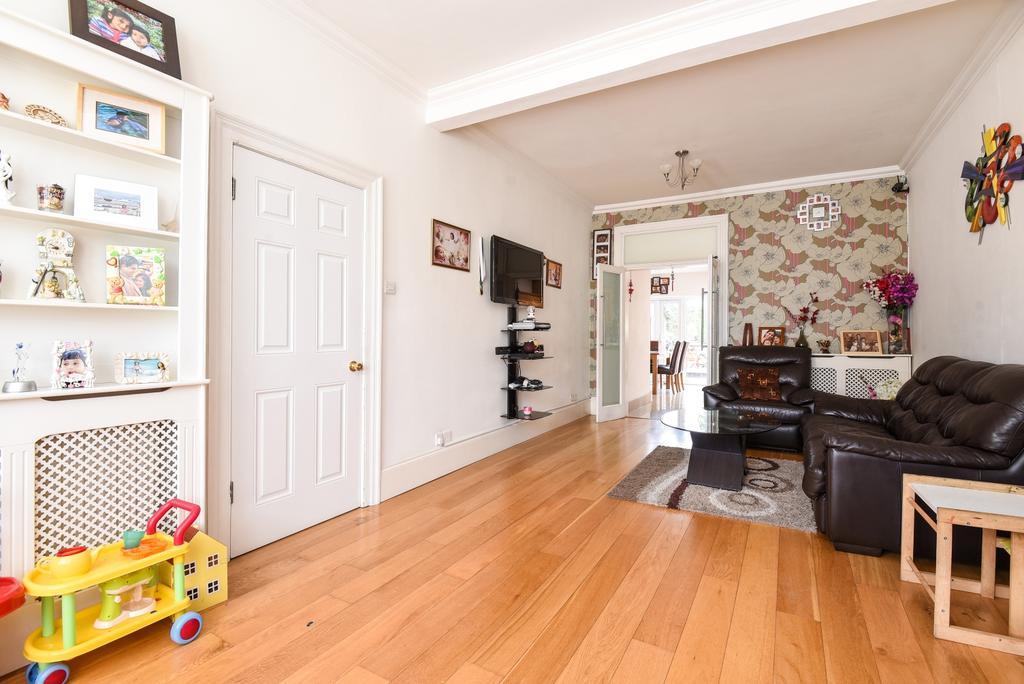 3 Bedrooms Terraced House for sale in Dumbreck Road Eltham SE9