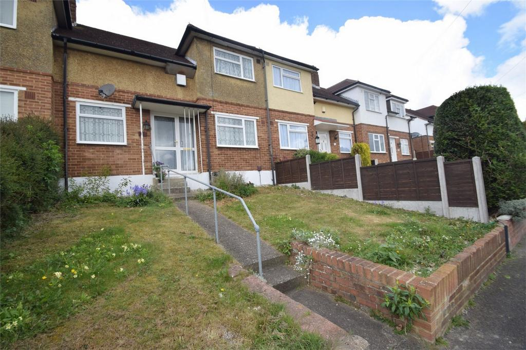 2 Bedrooms Terraced House for sale in Madden Avenue, Davis Estate, Chatham, Kent