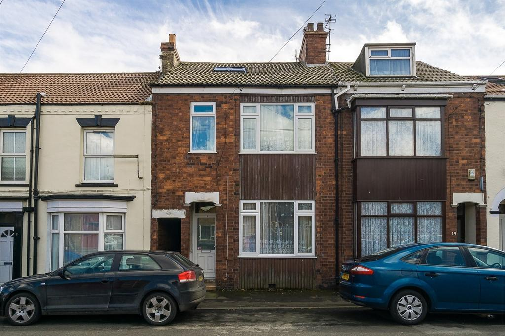 3 Bedrooms Terraced House for sale in Walter Street, WITHERNSEA, East Riding of Yorkshire