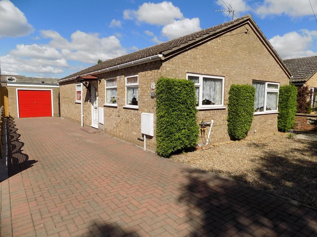 3 Bedrooms Detached Bungalow for sale in Stevens Way, March