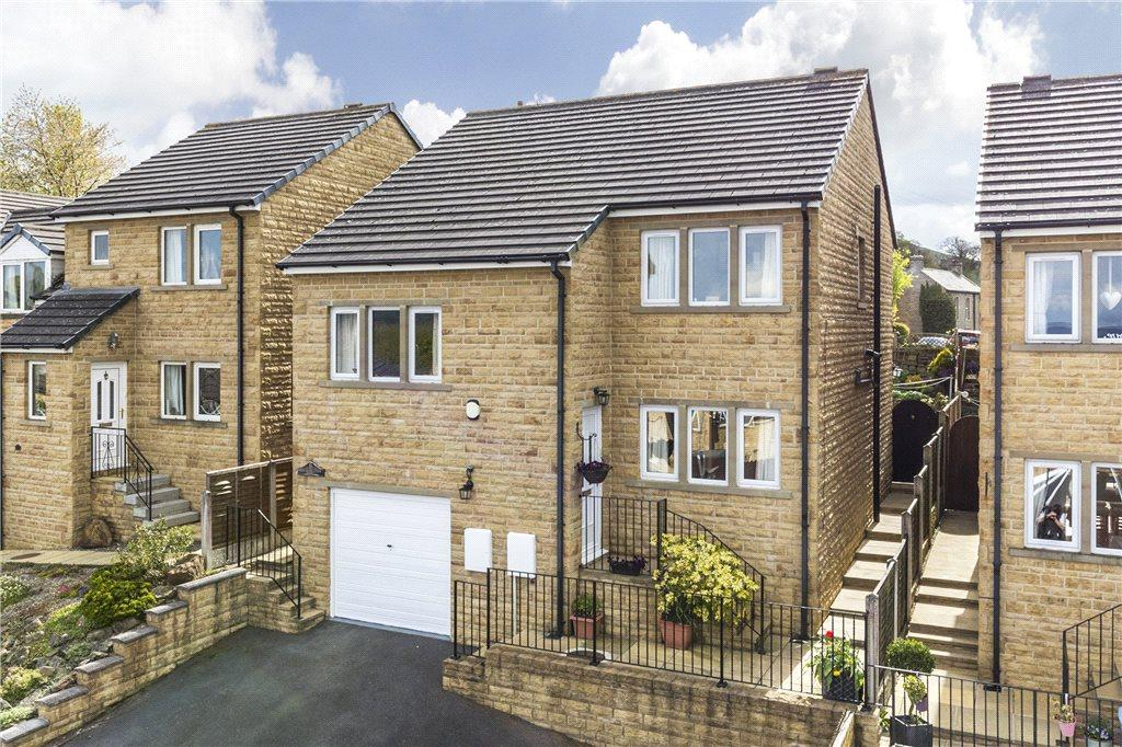 4 Bedrooms Detached House for sale in Malham View Close, Barnoldswick, Lancashire