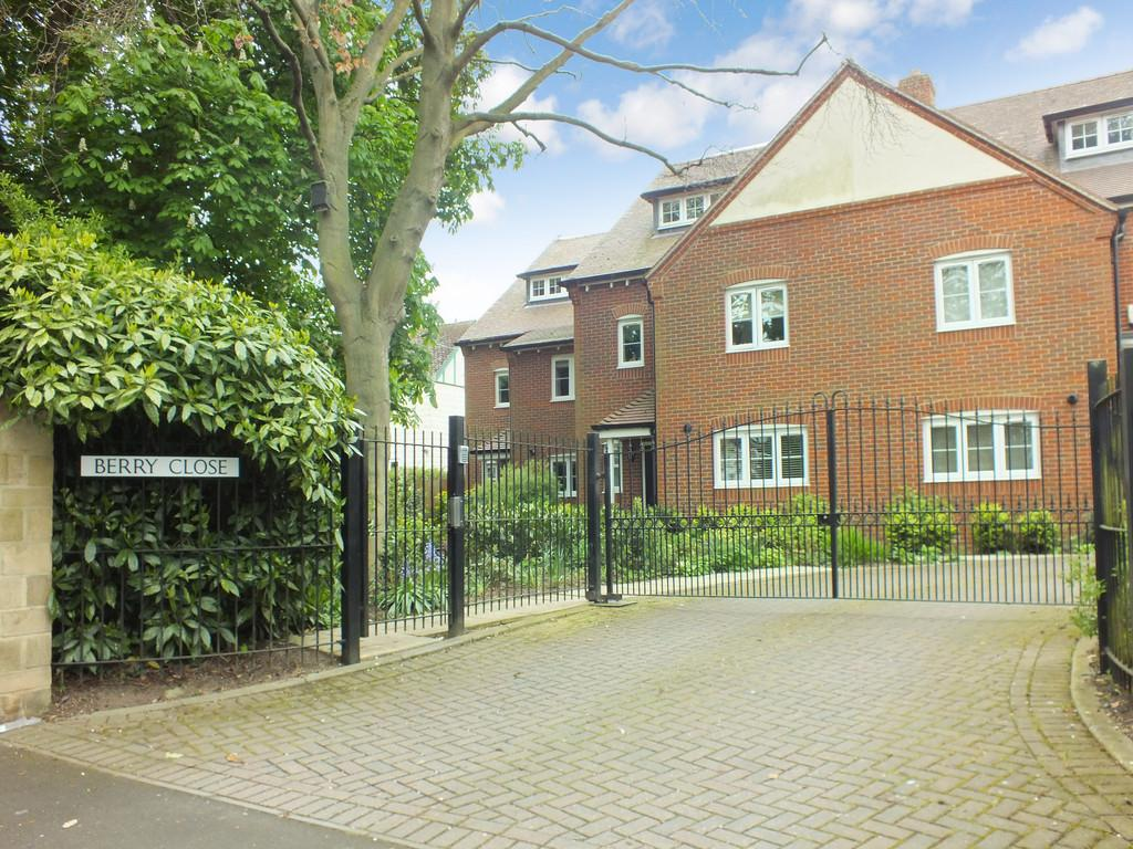 4 Bedrooms Town House for sale in Faringdon