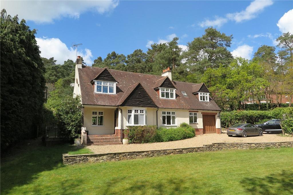 4 Bedrooms Detached House for sale in Beech Avenue, Lower Bourne, Farnham, GU10