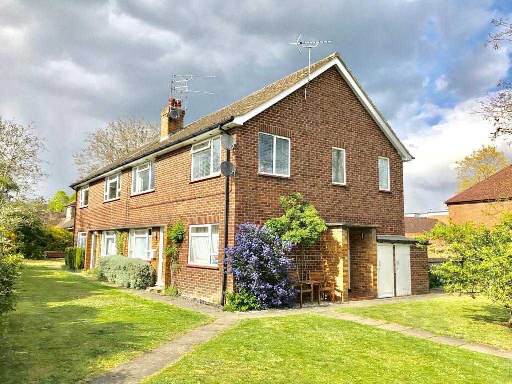 2 Bedrooms Maisonette Flat for sale in Eastfield House, Bobmore Lane