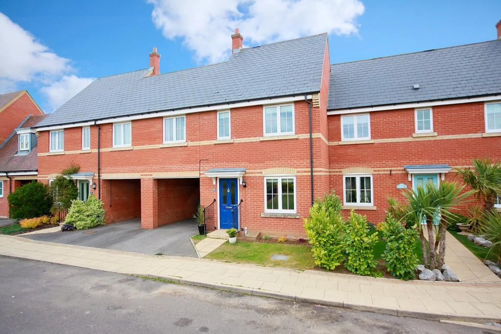 3 Bedrooms Terraced House for sale in Nonancourt Way, Earls Colne, Colne Valley