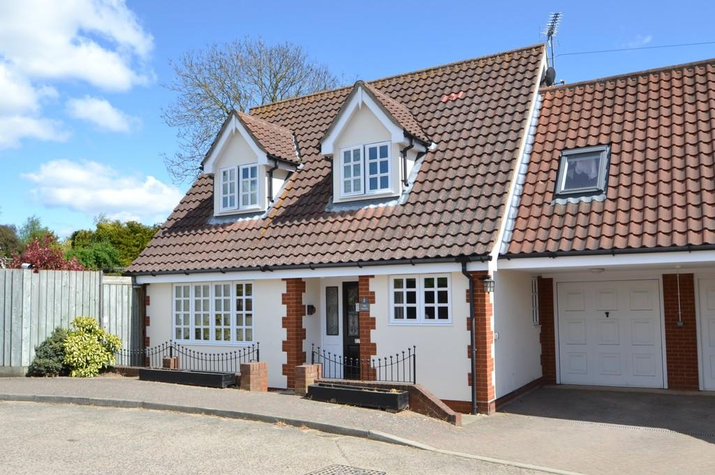 3 Bedrooms Semi Detached House for sale in The Lilacs, Fullers Field, Westerfield, Ipswich, Suffolk
