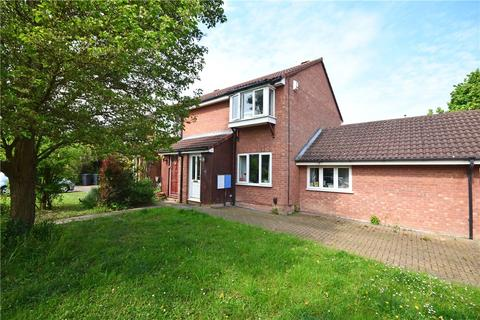 3 bedroom end of terrace house to rent - Caribou Way, Cambridge, Cambridgeshire, CB1