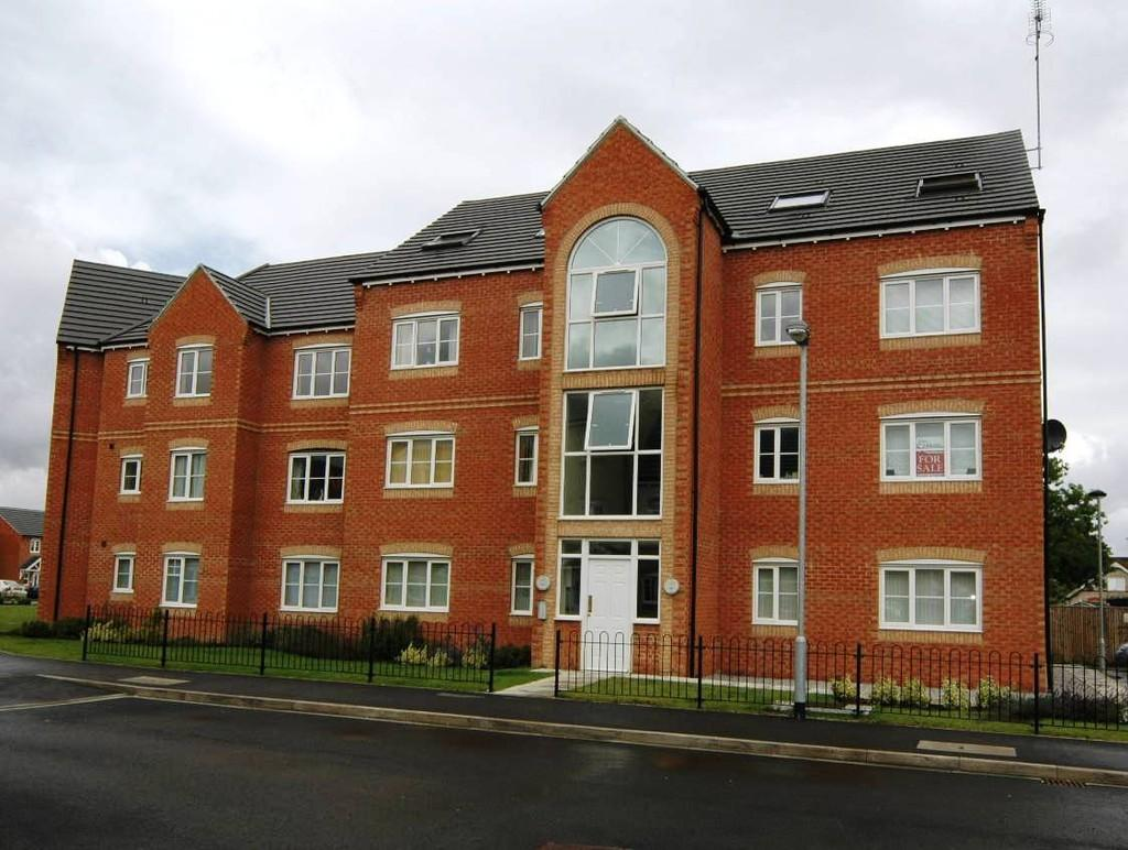 2 Bedrooms Ground Flat for sale in 40 Redhill Park, Hall Road