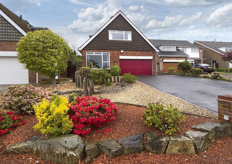 3 Bedrooms Detached House for sale in Linden Lea, Finchfield, Wolverhampton