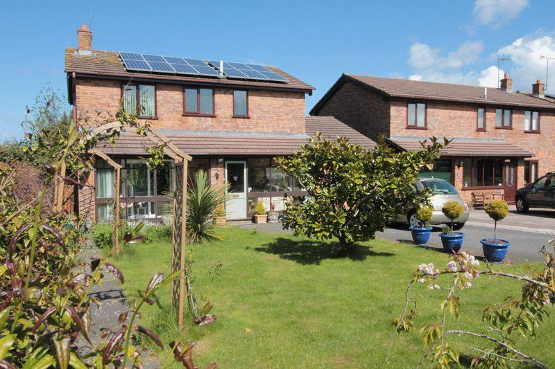 4 Bedrooms Detached House for sale in Lowther Court, Rhyl