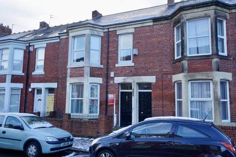 2 bedroom apartment for sale - King John Terrace, Heaton