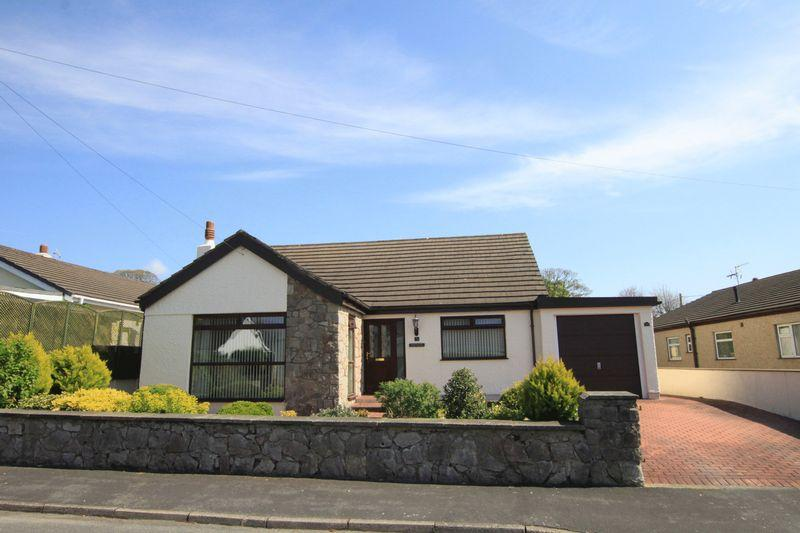 4 Bedrooms Detached Bungalow for sale in Llanfairpwll, Anglesey