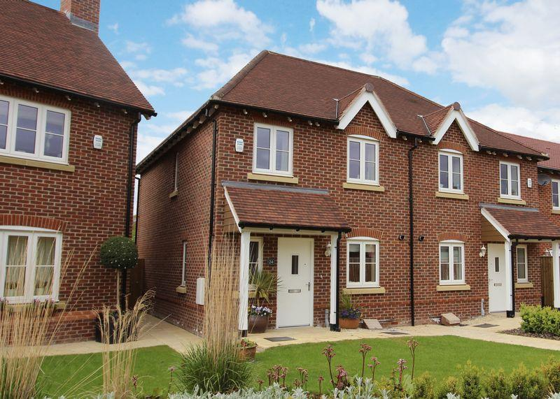 3 Bedrooms Semi Detached House for sale in Anderson Place, East Hanney