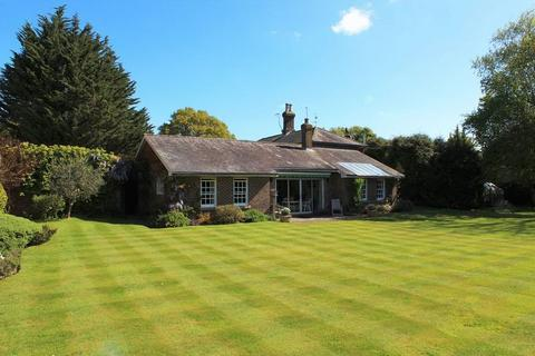 4 bedroom detached house for sale - The Green, Matfield