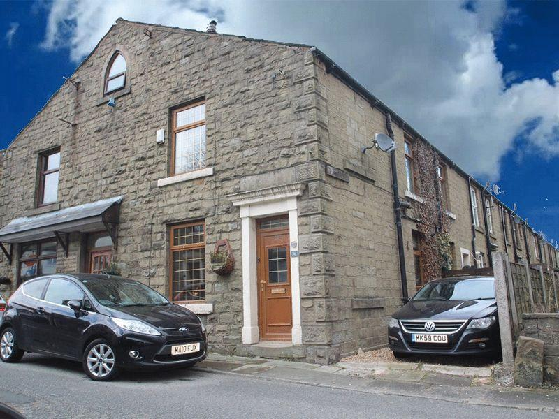 2 Bedrooms Terraced House for sale in Tong Lane, Whitworth, Rochdale OL12 8BE
