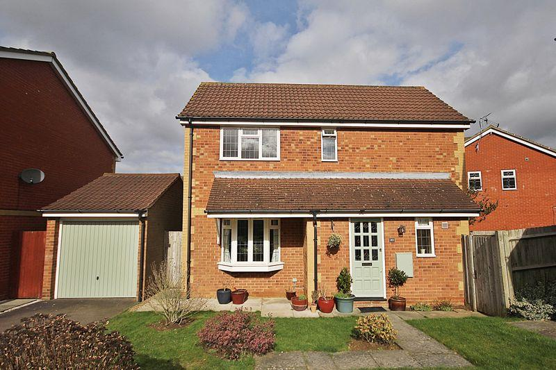 3 Bedrooms Detached House for sale in Lincoln Close, Flitwick