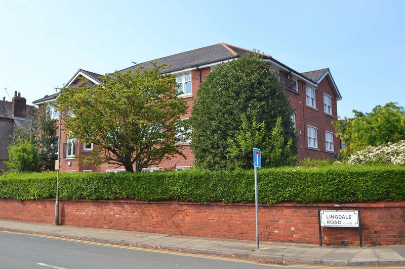 3 Bedrooms Apartment Flat for sale in Meols Drive, West Kirby