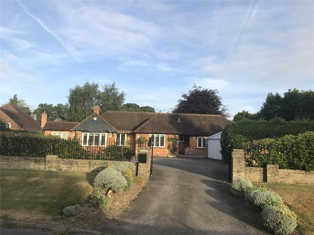 5 Bedrooms Detached Bungalow for sale in Wymers Wood Road, Burnham, SL1