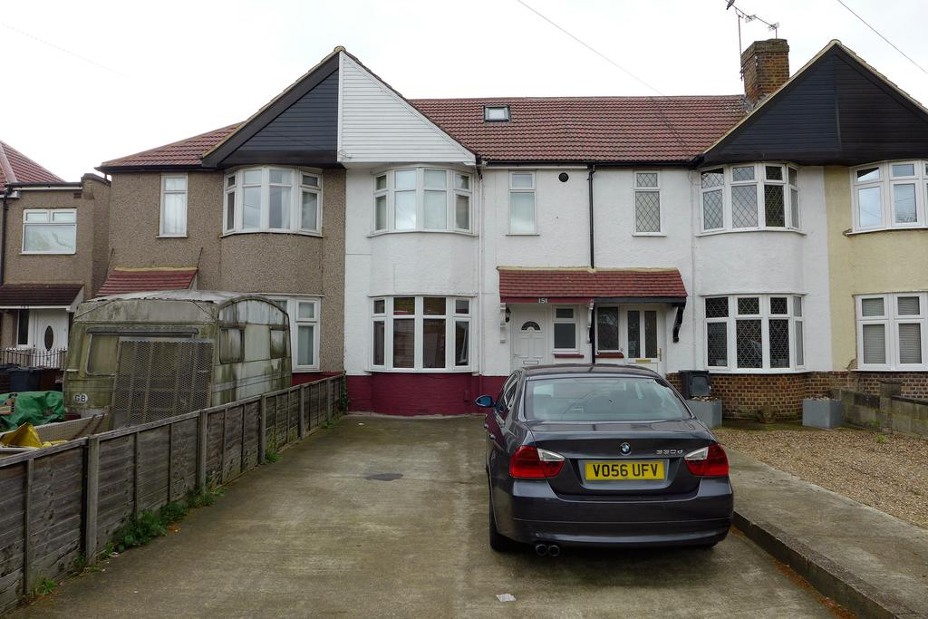 2 Bedrooms Terraced House for sale in Uxbridge Road, Feltham
