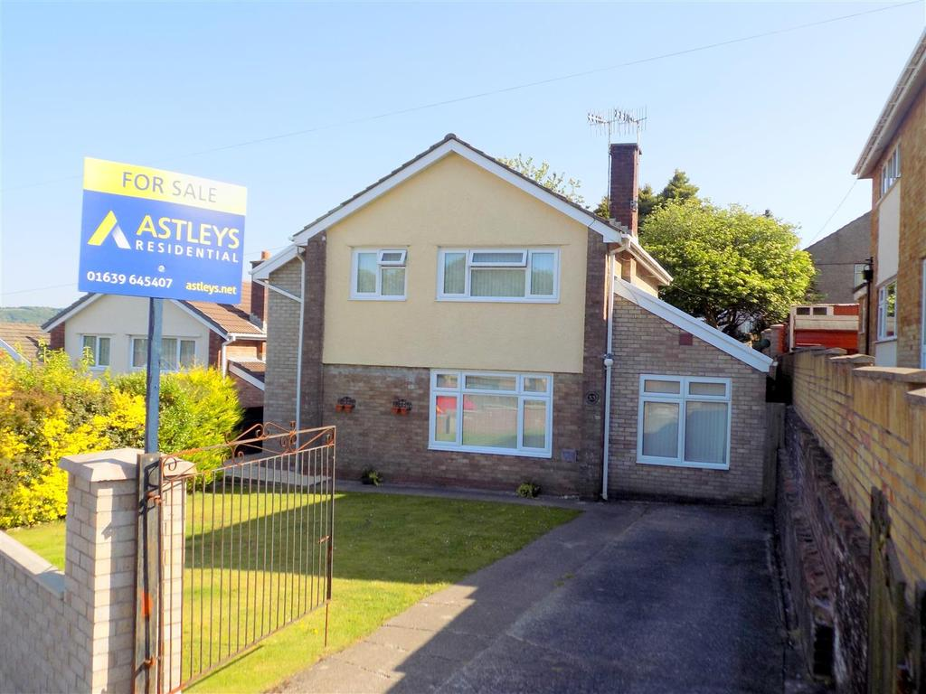 3 Bedrooms House for sale in Trevallen Avenue, Neath
