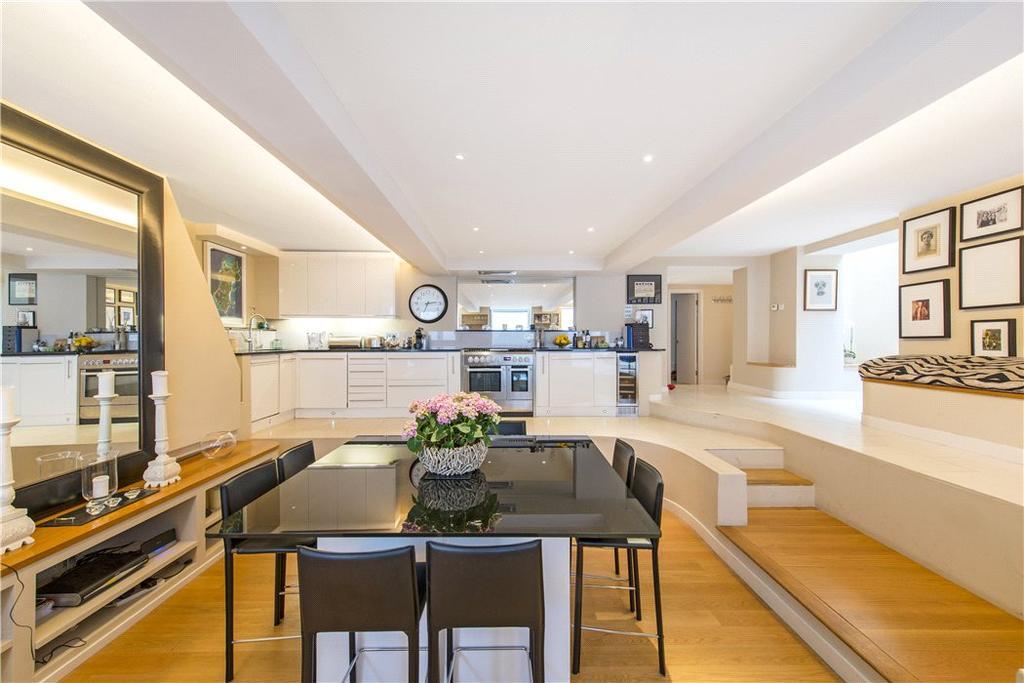 3 Bedrooms House for sale in Southside Quarter, 38 Burns Road, London, SW11