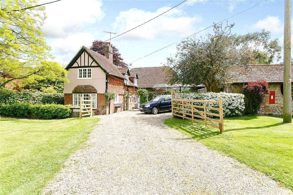 5 Bedrooms Detached House for sale in Bowlhead Green, Godalming, Surrey