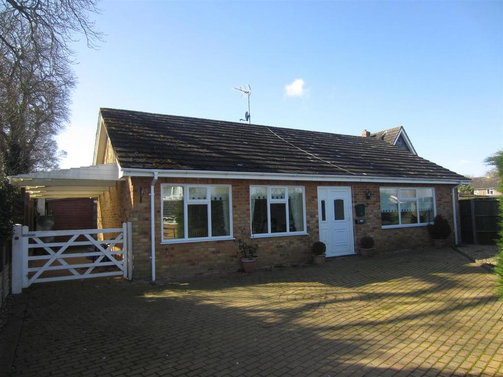 3 Bedrooms Detached Bungalow for sale in Wissey View, Mundford