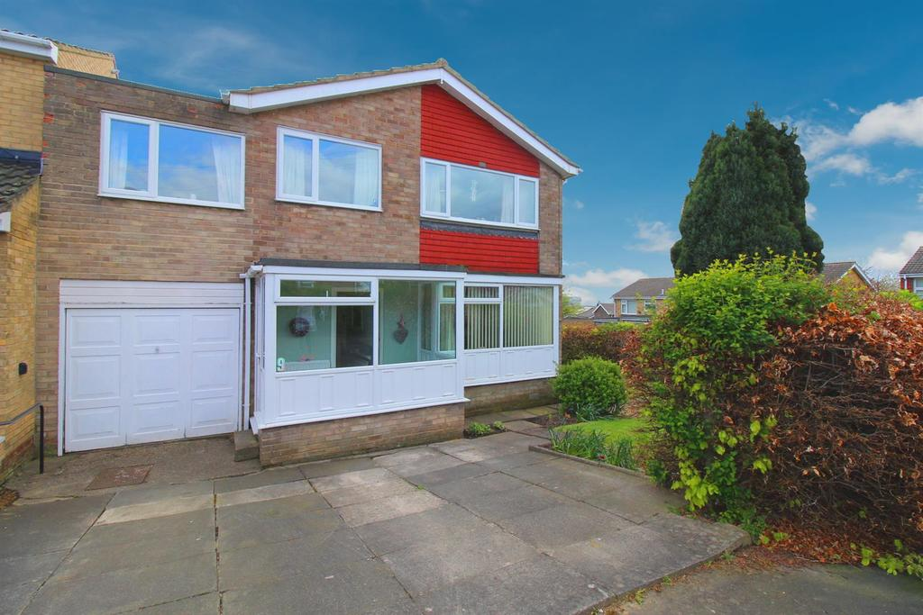 4 Bedrooms Detached House for sale in Frenton Close, Newcastle Upon Tyne