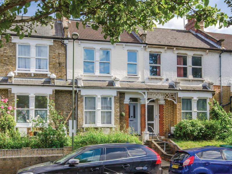 4 Bedrooms Terraced House for sale in Bedford Road, N2