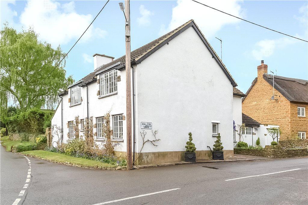 4 Bedrooms Unique Property for sale in Malzor Lane, Milton Malsor, Northamptonshire