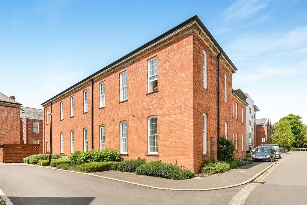 2 Bedrooms Apartment Flat for sale in Longley Road, Chichester