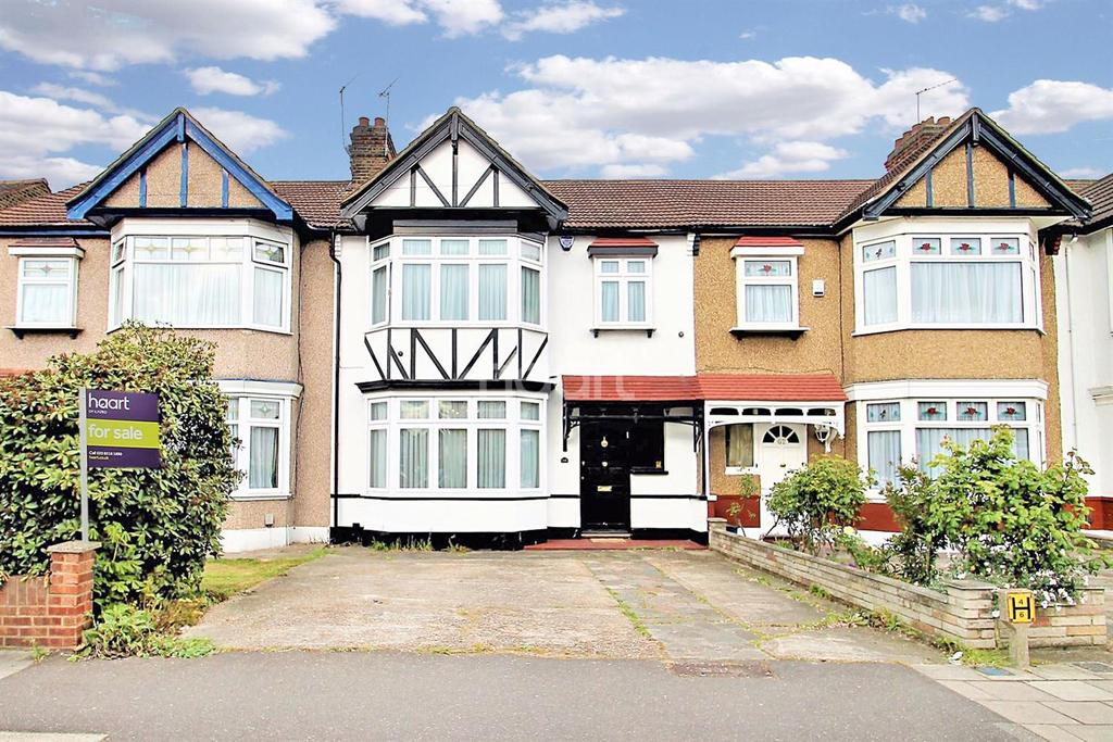 3 Bedrooms Terraced House for sale in Beehive Lane, Gants Hill, Ilford, Essex