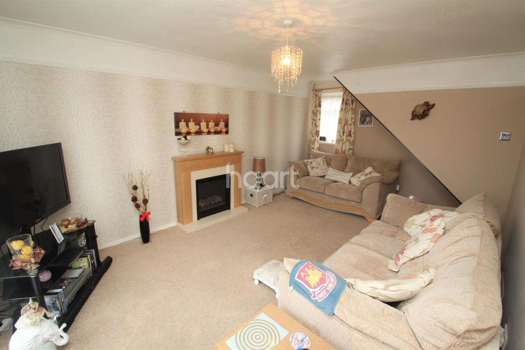 3 Bedrooms Terraced House for sale in Munro Road, Witham, CM8