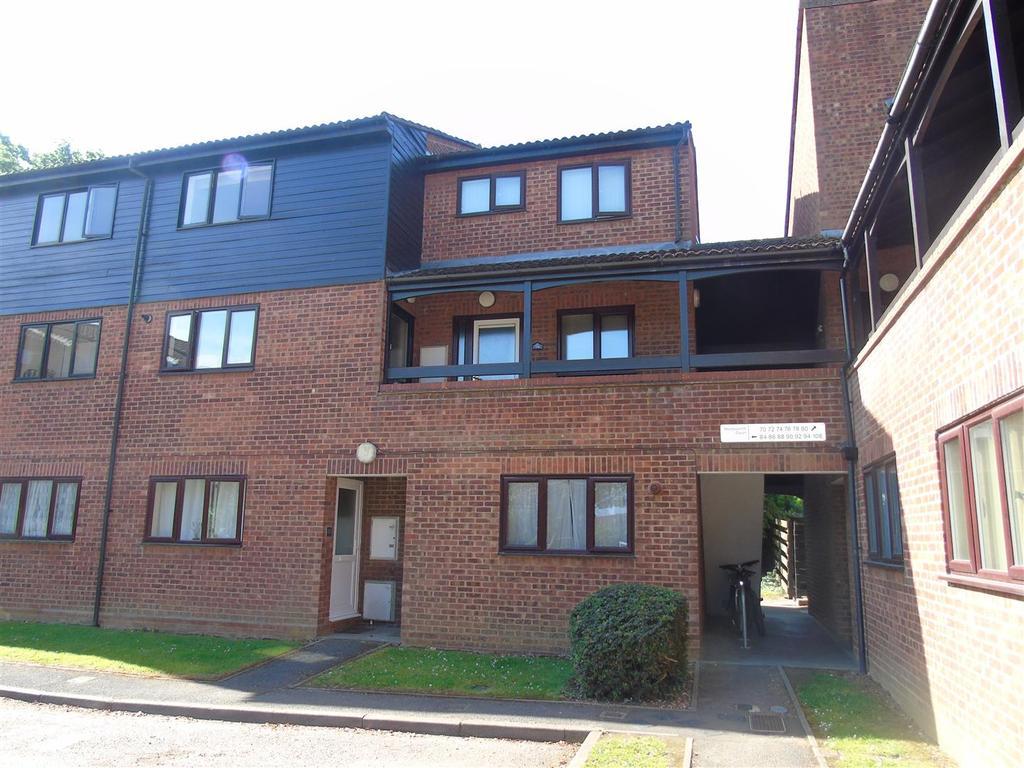 3 Bedrooms Maisonette Flat for sale in Middlefield, Hatfield
