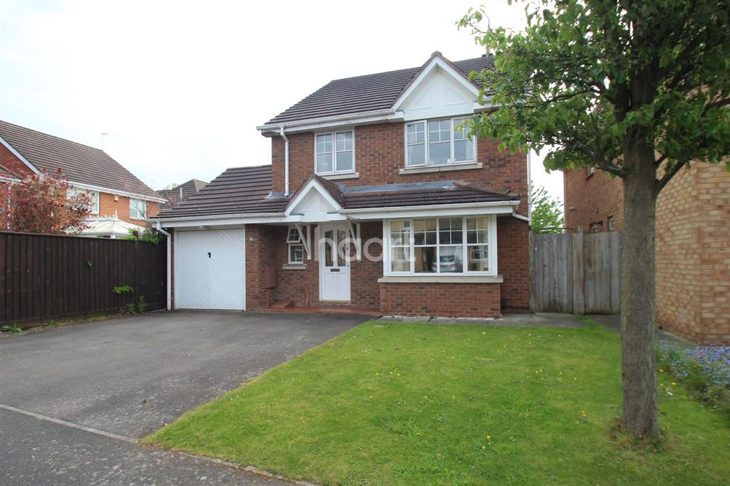 4 Bedrooms Detached House for sale in Whinlatter Drive, Gamston, Nottinghamshire