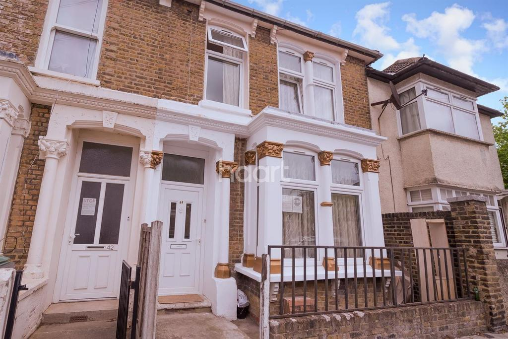 4 Bedrooms Terraced House for sale in Argyle Road, London, N17
