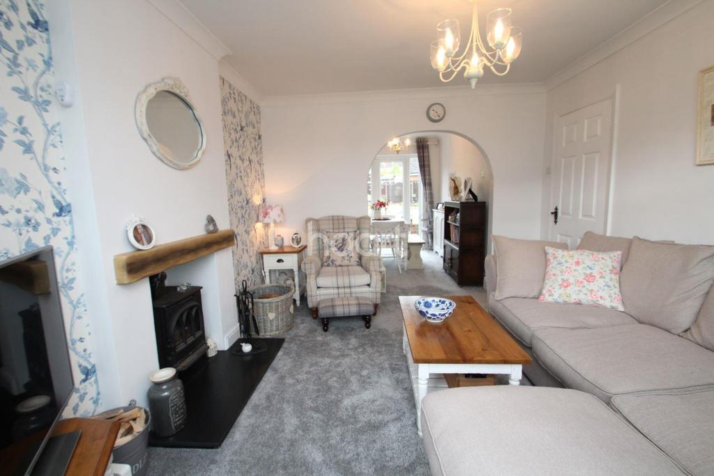 3 Bedrooms Detached House for sale in Coniston Road, Hucknall
