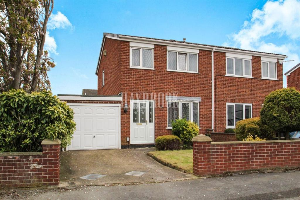 3 Bedrooms Semi Detached House for sale in Stretton Road, Monk Bretton