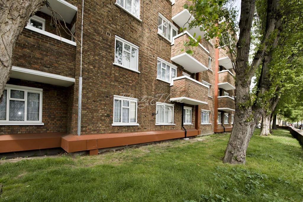 2 Bedrooms Flat for sale in Wingrad House, Stepney, E1