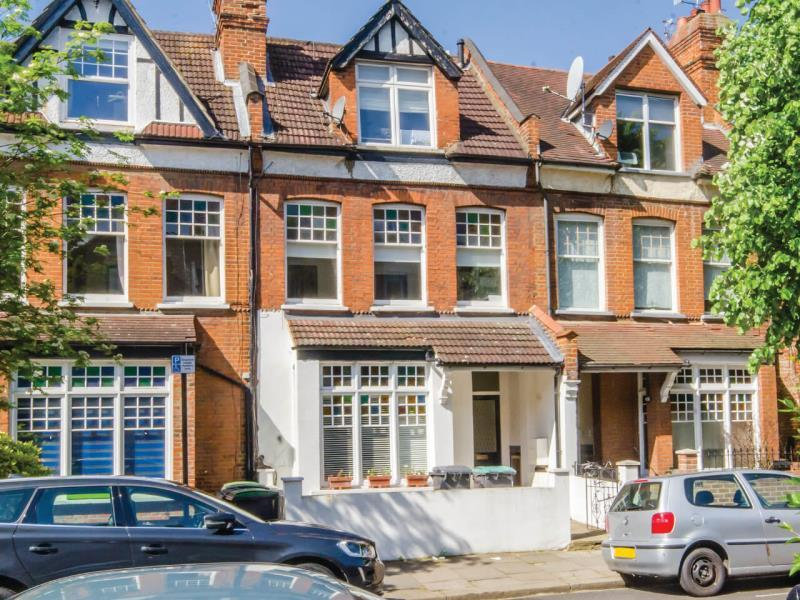2 Bedrooms Flat for sale in Nelson Road, N8