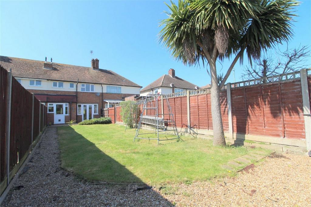 2 Bedrooms Terraced House for sale in Windsor Drive, Ashford, Surrey