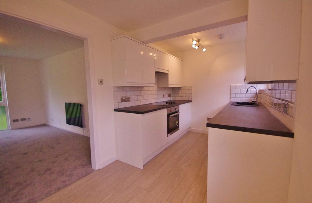 2 Bedrooms Apartment Flat for sale in Kenilworth Court, Hempstead Road, Watford, Hertfordshire, WD17