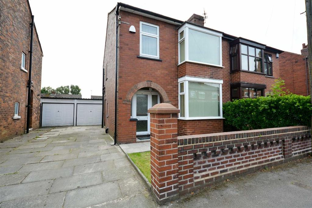 3 Bedrooms Semi Detached House for sale in Dawson Avenue, Beech Hill, Wigan, WN6